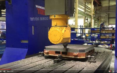 Machining demonstration on the WVM 2600 T portal machine